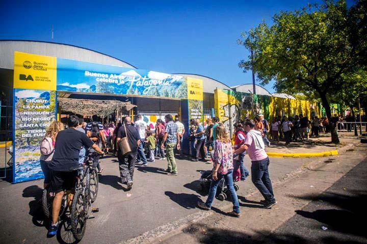 Gigantografías en el distrito audiovisual de Buenos AIres, con imágenes de Argentina del Banco de imágenes de Marco Guoli, usadas por el GCBA en el evento Buenos Aires celebra las regiones