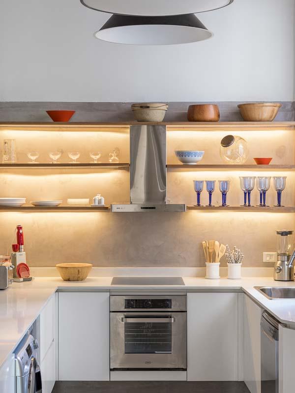 Cocina de una casa en San Telmo retratada por un Fotógrafo de Arquitectura de interiores, Buenos AIres, Argentina
