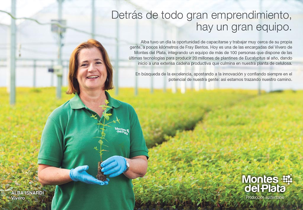 Anuncio en doble página de la Campaña publicitaria Montes del Plata, Uruguay, con una fotografía Retrato en unvivero realizado por Marco Guol