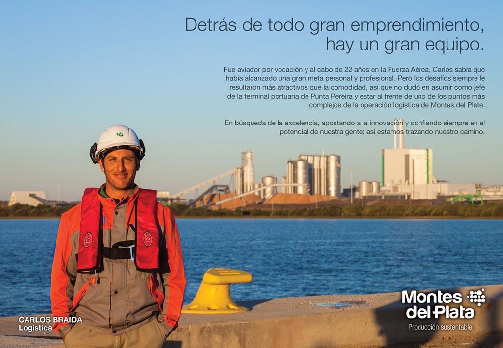 Anuncio en doble página de la Campaña publicitaria Montes del Plata, Uruguay, con una fotografía Retrato en el puerto realizado por Marco Guol