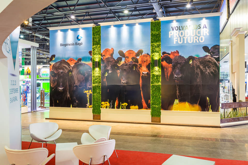 STAND DE LA EMPRESA BIOGENESIS-BAGO EN LA EXPOSICION RURAL 2016 (EXPOSICION DE GANADERIA, AGRICULTURA E INDUSTRIA INTERNACIONAL) REALIZADO CON UNA GIGANTOGRAFIA DE 8X4 METROS DE MARCO GUOLI PHOTO, CIUDAD DE BUENOS AIRES, ARGENTINA (PHOTO BY MARCO GUOLI - © AIRBNB, INC. - ALL RIGHTS RESERVED. CONTACT THE COPYRIGHT OWNER FOR IMAGE REPRODUCTION)