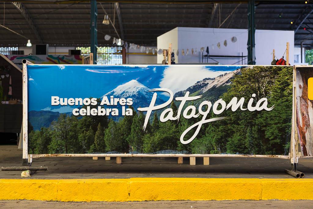 Gigantografías para GCBA en vinilo en un cartel del distrito audiovisual de Buenos AIres, con imágenes de Argentina del Banco de imágenes de Marco Guoli, usadas en el evento Buenos Aires celebra las regiones
