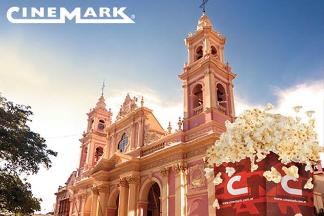 Afiche de calle de la campaña publicitaria Cinemark Hoyts realizadas con fotos de Argentina de Marco Guoli