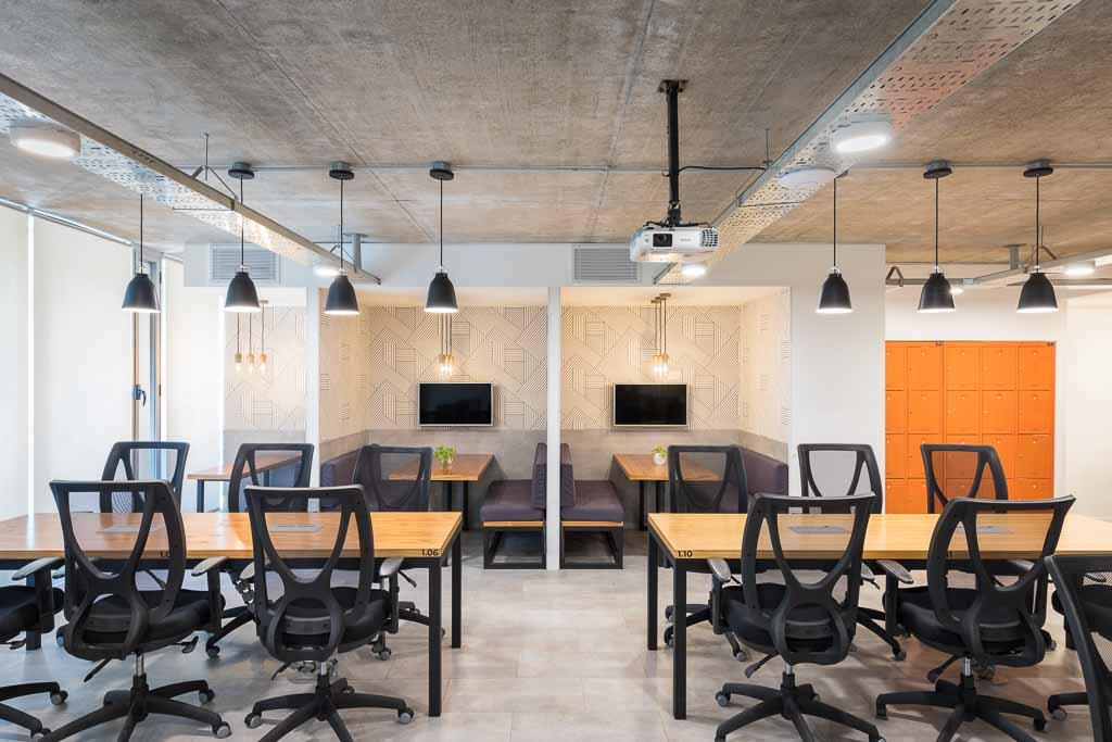 Arquitectura interior de un espacio de coworking en buenos aires