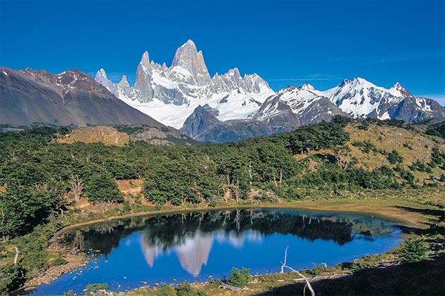 Décima cuarta página con el mes de enero 2014 del Calendario Argentina 2013 y una fotografía del cerro Fitz Roy, Santa Cruz