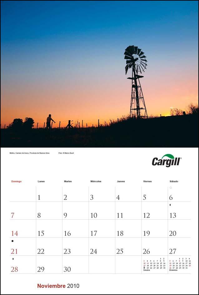 Imagen de la página del mes de noviembre del Calendario empresarial Cargill Argentina con una fotografía de un molino de viento del Banco de imágenes de Marco Guoli, Buenos Aires