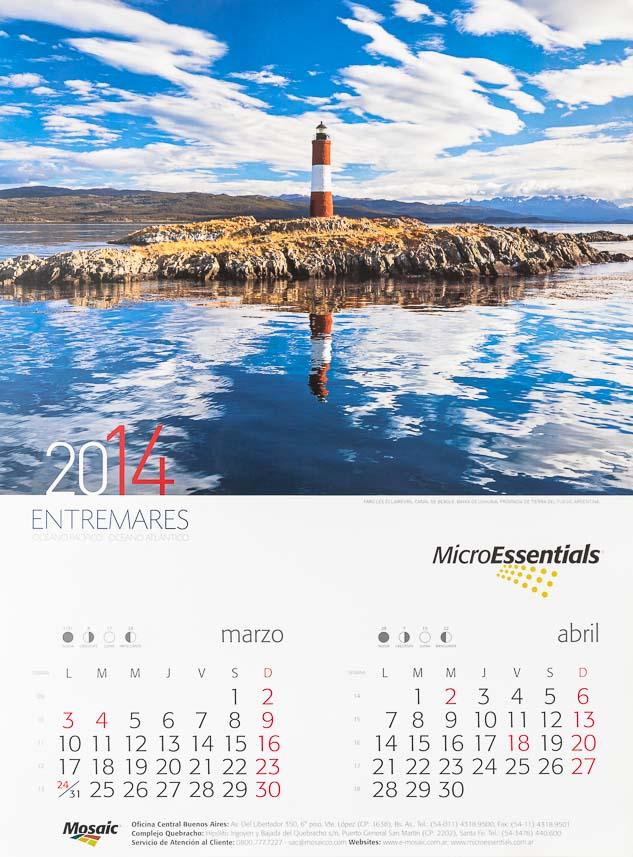 Página del Bimestre marzo - abril del Calendario corporativo Mosaic 2014, con una fotografía en alta resolución del Banco de imágenes de Marco Guoli del Faro Les Eclaireurs, Tierra del fuego