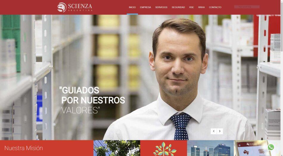 Captura de pantalla del sitio web Scienza con Retratos corporativos de empleados Scienza realizados por Marco Guoli, Buenos Aires