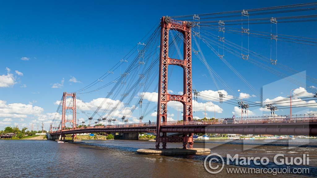 Imagen en alta resolución del puente colgante de santa fé del fotógrafo Marco Guoli con la cual se hizo el folleto A4 Silidral Uno de Spedrog Caillon