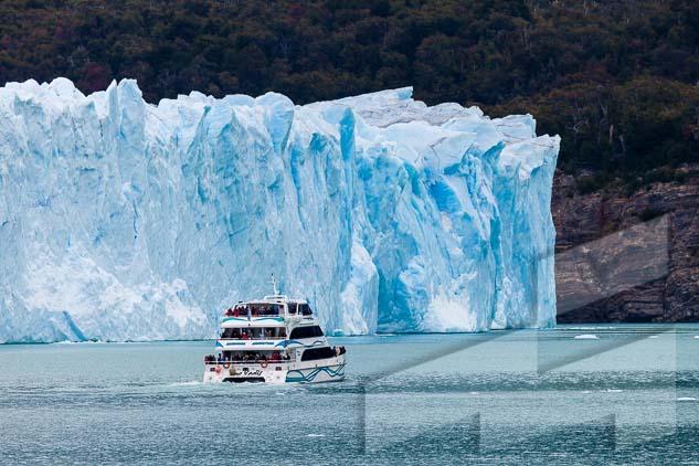 La pagina del mes de octubre del Calendario Argentina 2021, con una foto del Glacias Perito Moreno, Parque Nacional Los Glaciares, Argentina