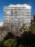 Fotografía de la arquitectura exterior de una torre residencial en Olivos, Argentina