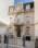 Fotografía de la arquitectura exterior del Centro Cultural Coreano, Buenos Aires, Argentina