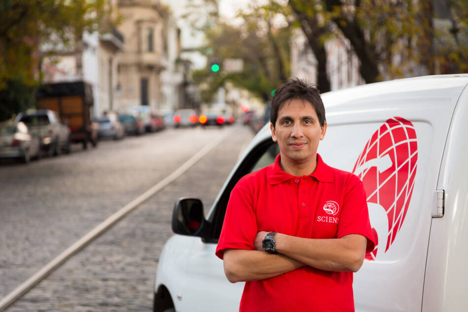 Foto retrato corporativo de un empleado de la empresa Scienza, Buenos AIres, Argentina