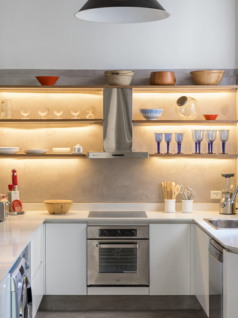 Foto de los interiores de una cocina en San Telmo, Buenos AIres, Argentina
