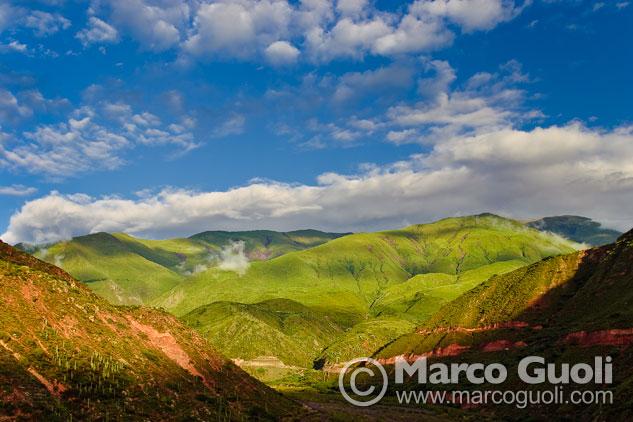 imagen de Salta con una vista la quebrada de Escoipe al amanecer, camino a la cuesta del obispo, Valles Calchaquíes